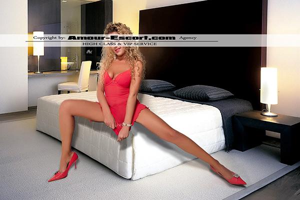 escort_celina_600x400_2